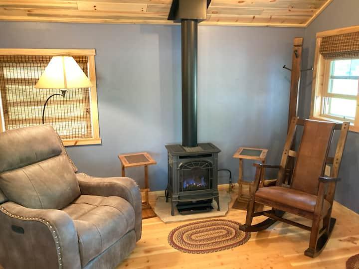Cozy Rocky Mountain Cabin