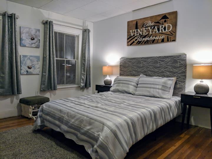 Cozy 2 Bedroom  on Charles River - Harvard Square