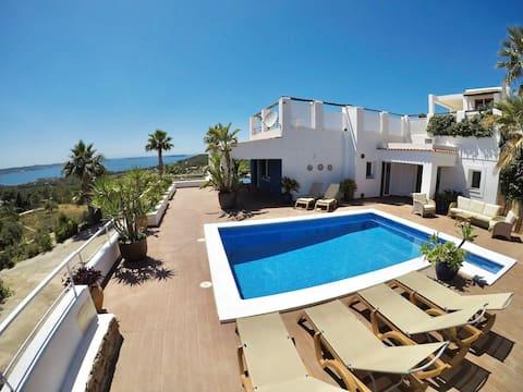 Panoramic views to the sea,7 minu from Ibiza.10pax