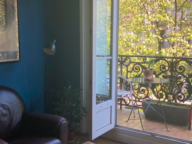BIG PRIVATE ROOM WITH BALCONY / RUE SAINT MAUR