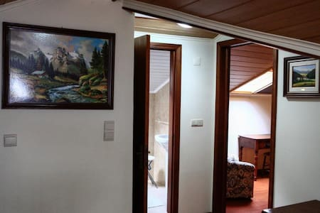 Private room  -> PRIVATE BATHROOM - Povoacao - 家庭式旅館