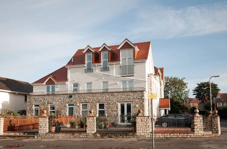 The Penthouse in Beautiful Swanage - Swanage - Apartment