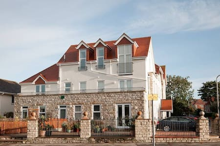 The Penthouse in Beautiful Swanage - Swanage - Apartament
