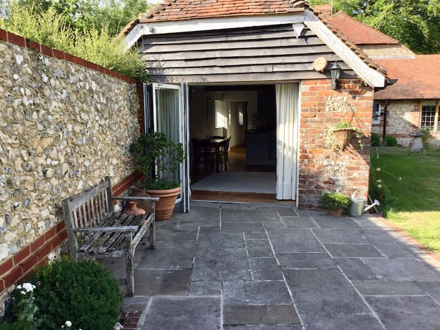 Orchard cottage, a beautiful 15th century Cottage