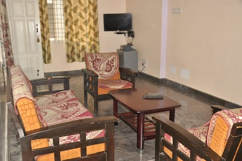 Marina Stay Service Apartment- up to 10 guests