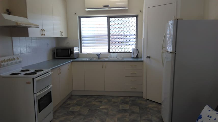 Spacious Granny flat in Bayview Heights - Bayview Heights - Banglo