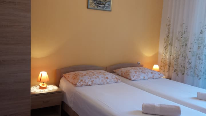 Room Frano 1/2 - MLJET island