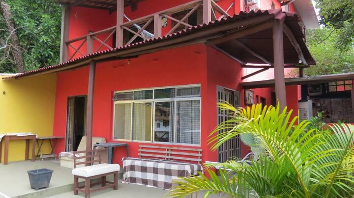 Suíte/quarto privativo Casal (Ilhabela 300m Praia)