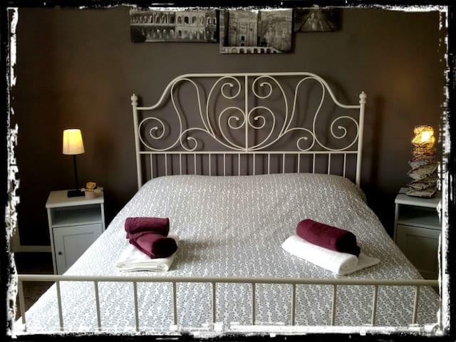 """B&B Le Tecchie - Stanza """"Cioccolato"""" - tovo san giacomo (bardino vecchio) - Bed & Breakfast"""