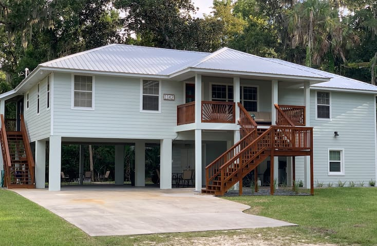 Pleasant Point Vacation Home on blue spring water