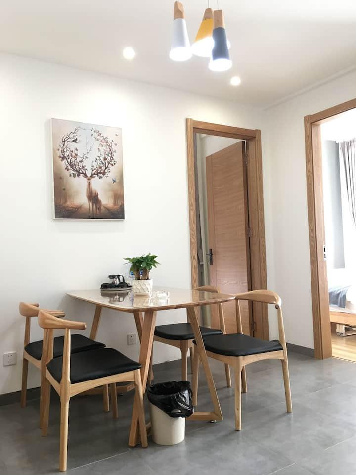 大理洱海湿地公园海之门精品北欧风格两室两厅88平米公寓402