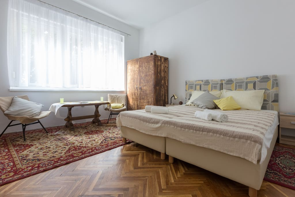 Studio Apartment Mira: living room with two beds
