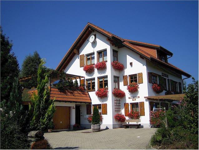 Ferienwohnung Haus Carola****