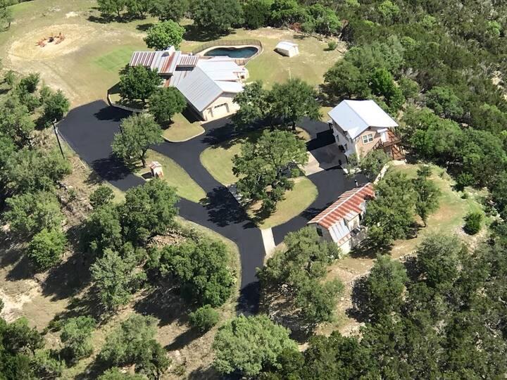 Hill Country Views!  Private Barn Studio