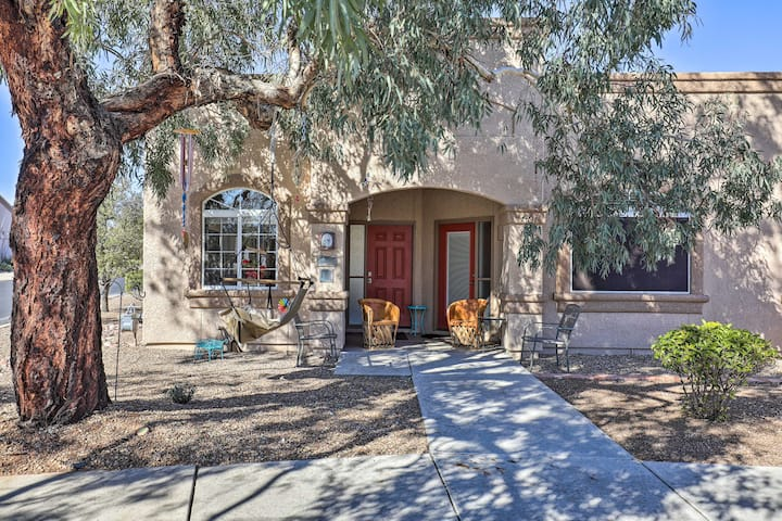 Tucson Studio w/ Heated Pool, Steps to Golf Course