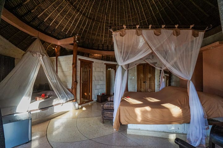 Rustic Circular Lodge, Balangan Beach, Bali