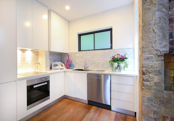 Sydney Centre. Modern Heritage Home