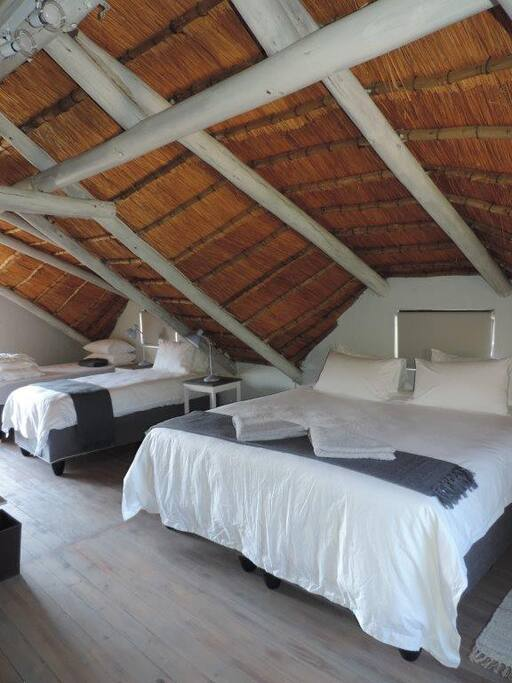 Bushbaby 5 sleeper room with mountain view