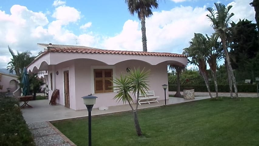 A Cottage with two rooms kitchen and swimming pool