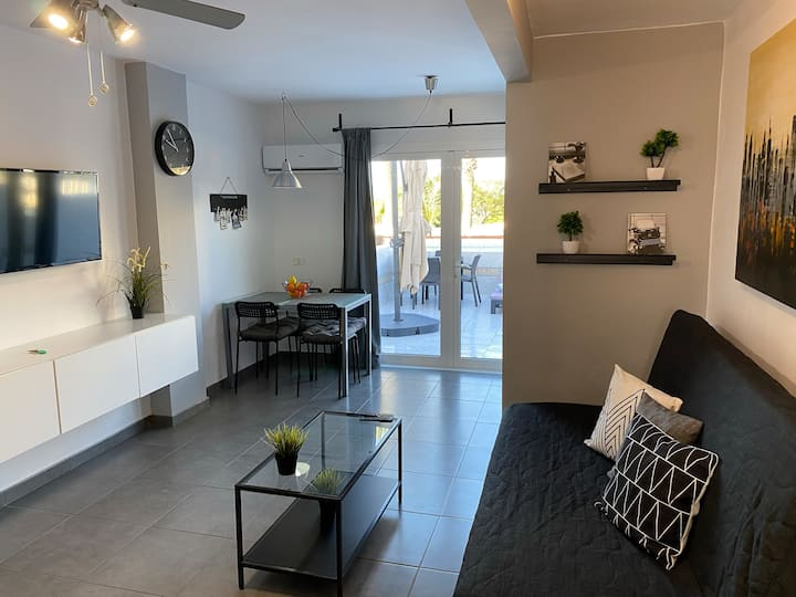 Lovely Studio With Relaxing Terrace!