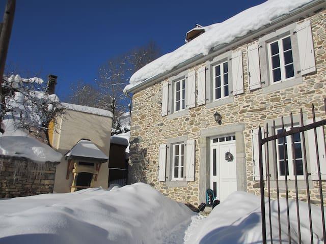 Agréable Maison de Montagne - Poubeau - Casa