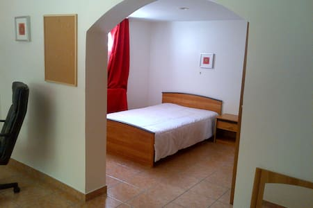 Très belle Suite dans une villa à Ecully - Other