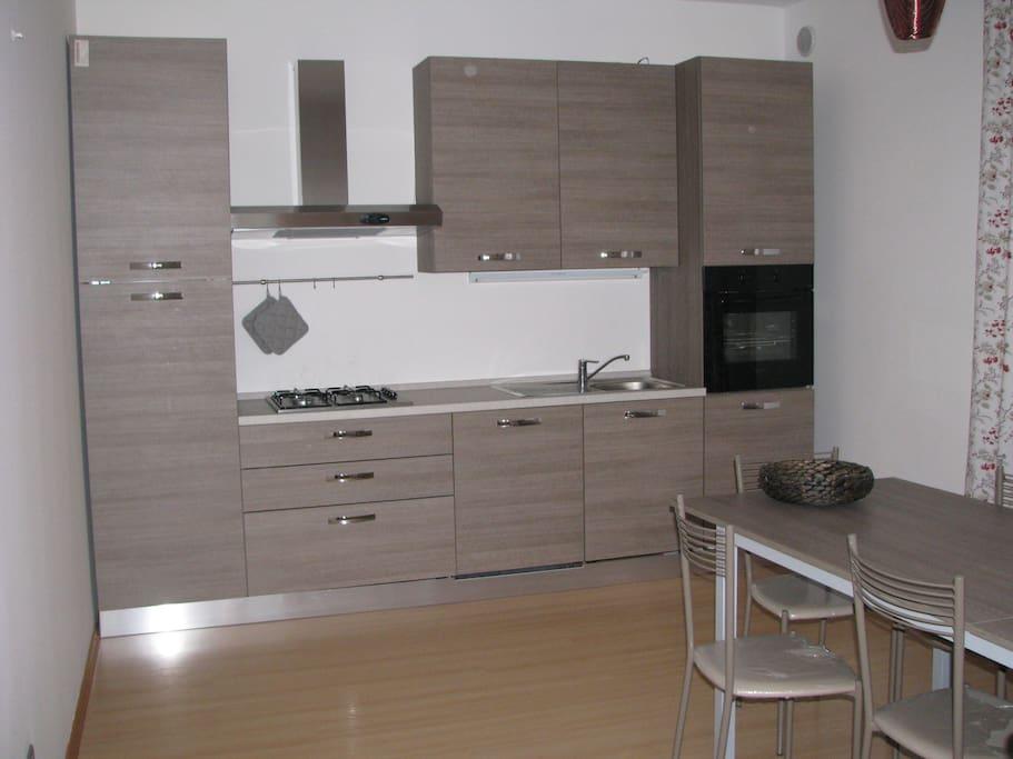 Centralissimo 3camere con posto auto appartamenti in - Posto con molti specchi ...