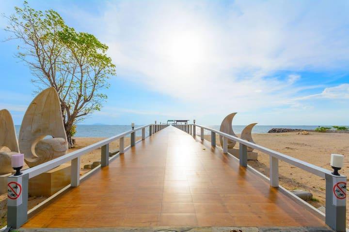 ห้องพักหรูติดทะเล หาดส่วนตัว Casalunar Paradiso