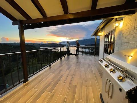 Cabaña cerca del Lago Calima con increíble vista.