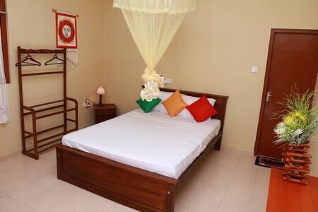 Bentota Homes-A/C Double Room & Kitchen - 本托塔 (Bentota) - 公寓