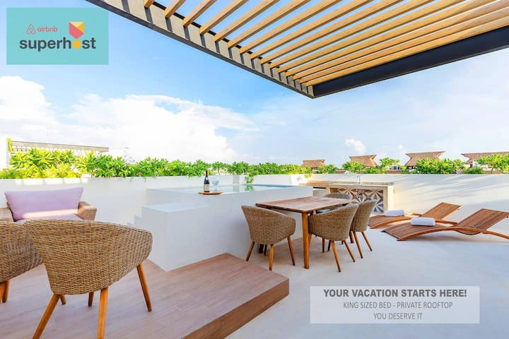 Dream Studio PH, Champagne sunset deck with pool