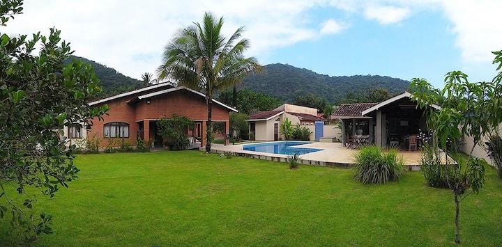 Ampla Casa em Condomínio. Ubatuba/SP - Lagoinha