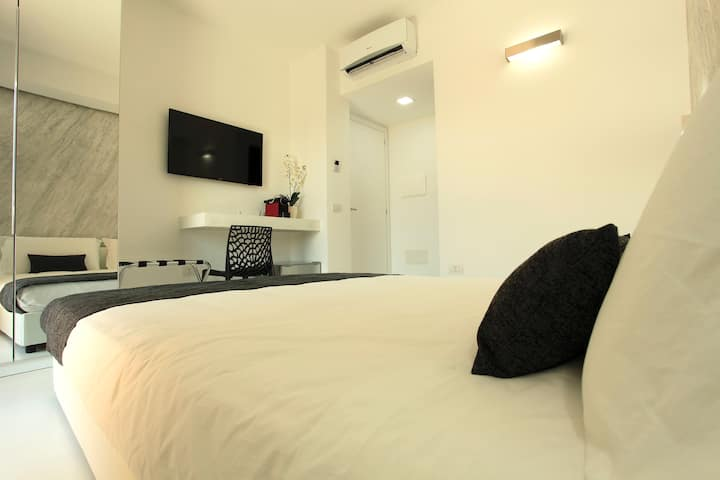 Double A Luxury Room - Standard Room with Balcony