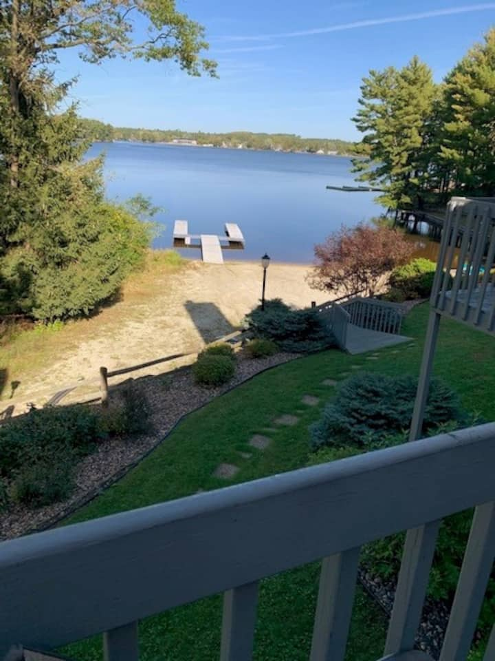 WISCONSIN DELLS LAKE RETREAT