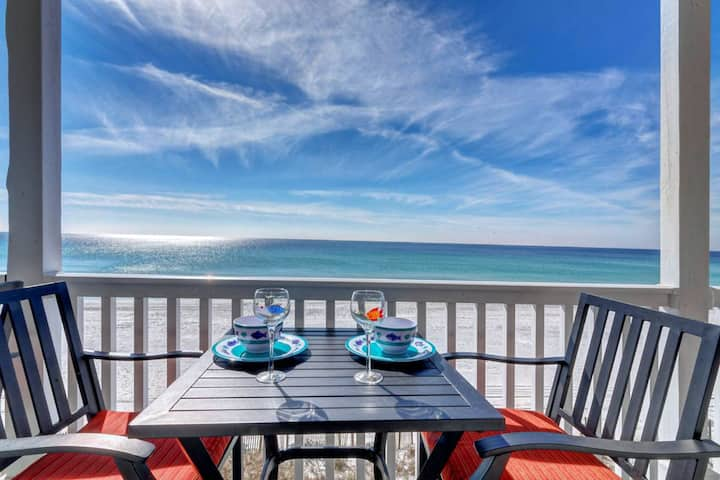 Gorgeous oceanfront condo, step onto the beach from your private balcony
