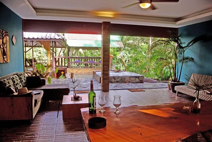Triple room in villa surrounded by wild nature