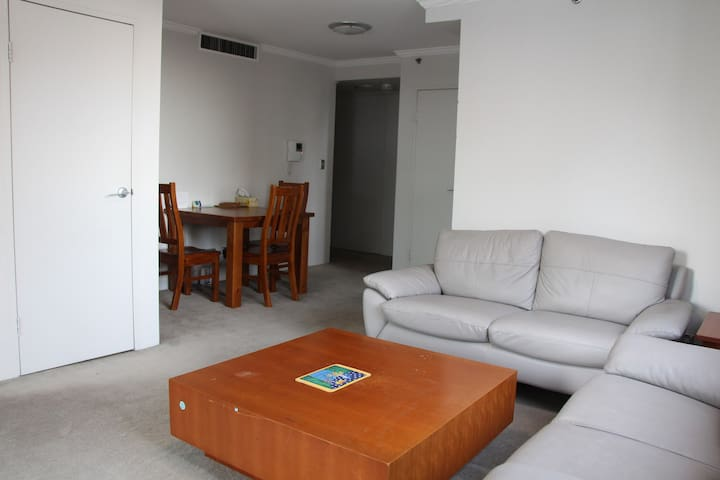 Chatswood Self-Contained Compact One Bedroom