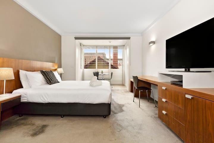 Studio Apartment, A203 (Cosmopolitan Hotel)