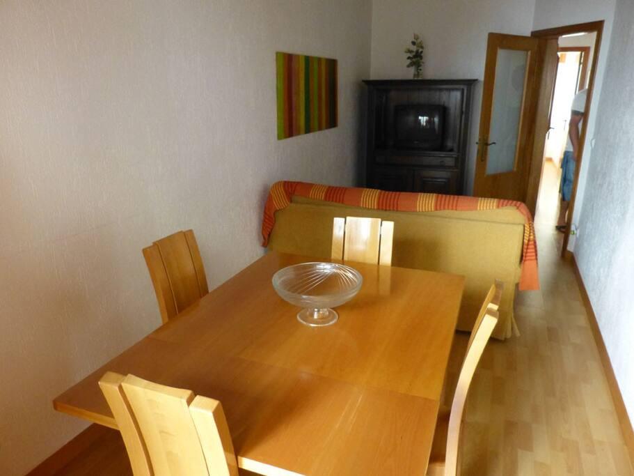 Salon, salle à manger environ 20m²