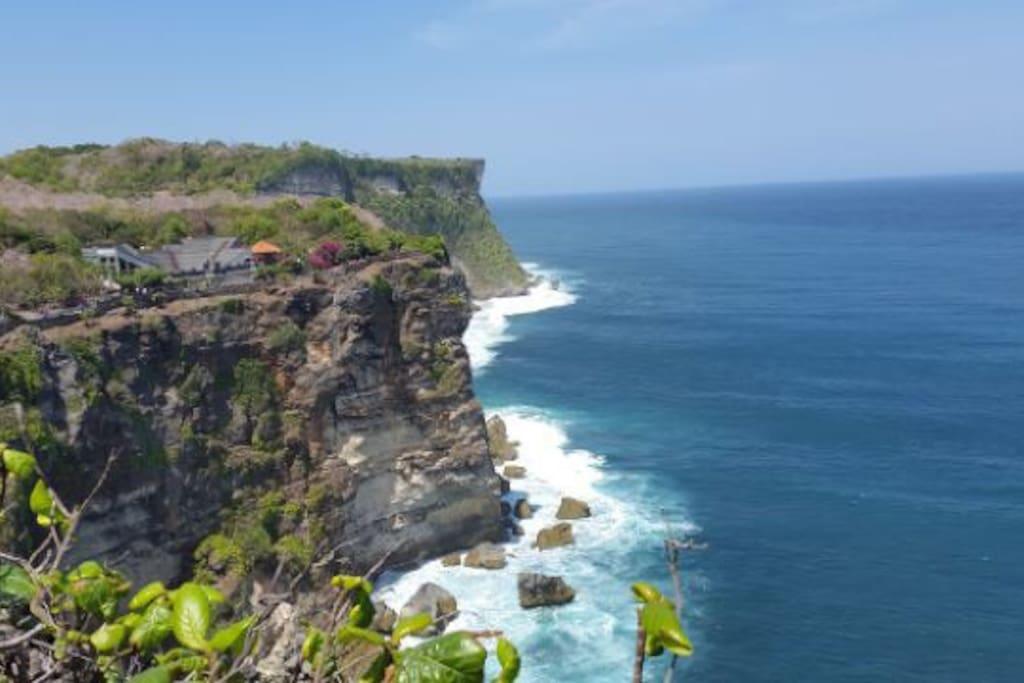 Uluwatu temple can reach from Nona's