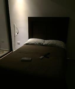 1 Habitación doble / 1 double room - Mérida