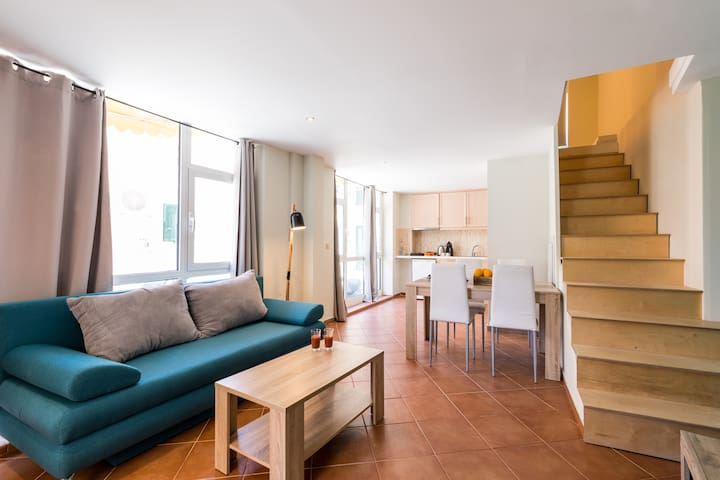 """Mon-Repo Suites"" - 2Floor Unique Apartment"