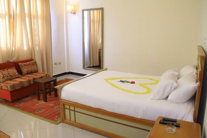 Avi Pension, Standard Queen Size Room