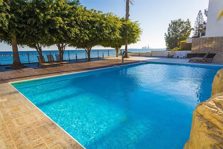 3b Delux seafront apt with pool - Apollonia beach - Limassol - Appartement