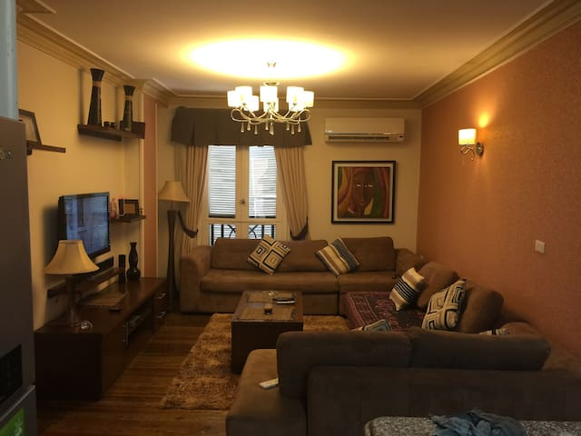 Cozy apartment with parking & view - New Cairo City - Apartamento