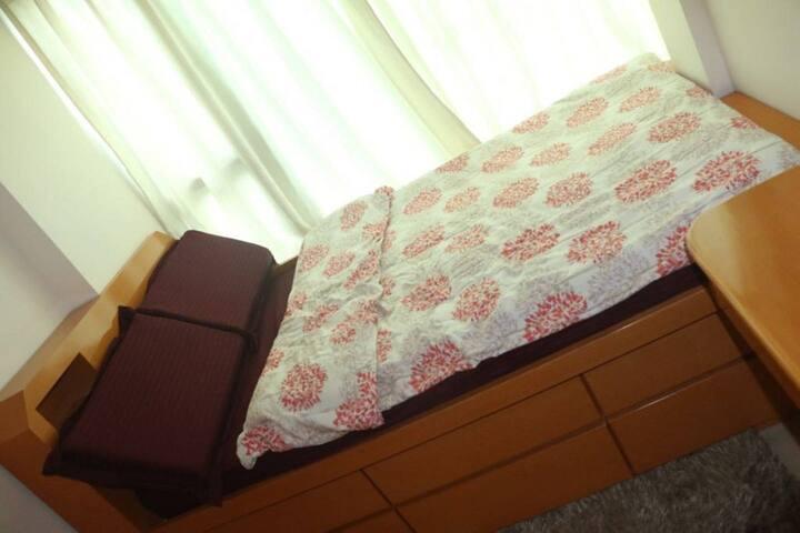 Cozy room,Cable car, Buda,Airport, Disney Land