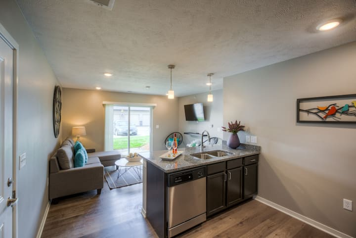 101 Fremont Oasis Vegas Style Pool Clubhouse Apartments For Rent In Fremont Nebraska United States