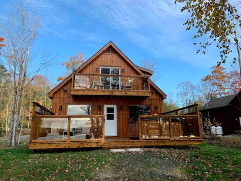 Lakeside Retreat with Hot Tub and Pellet Stove