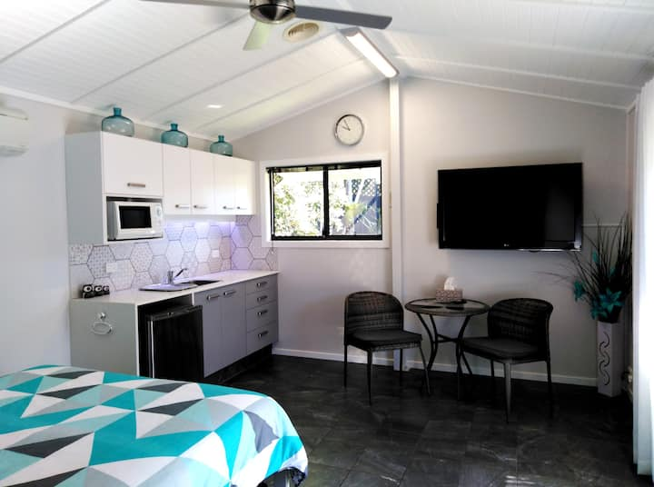 Central Gold Coast Lavish Private Guesthouse