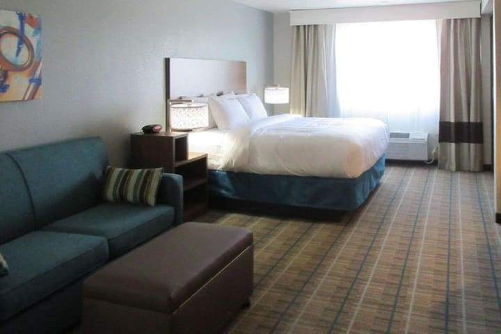 Trendy Suite Double Bed At Downtown